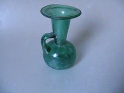Zöld, irizáló antik üvegecske