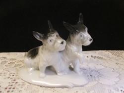Jelzett GDR porcelán kutya páros