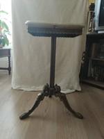Réz asztal onix lappal