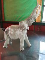 Nagyméretű elefánt porcelán szobor
