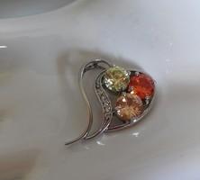 Ródiumos ezüst, gyönyörű csúszómedál színes kövekkel