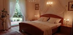Hálószoba bútor ágy szekrény komód gardrób franciaágy matrac tükör