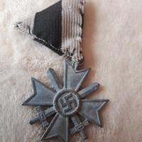 Német náci érdemkereszt,kardokkal, kitüntetés
