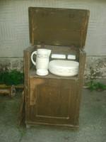 Antik fenyő mosdószekrény