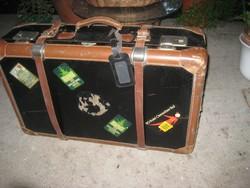 Régi világjáró bőrönd