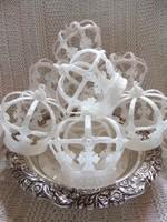 Hófehér csillámos korona karácsonyfadísz