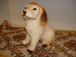 Nagyon szép és hibátlan porcelán figura, szobor ülő kutya, kutyus 16 cm magas