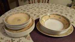 Ajánlatokat is várunk! 15 részes Churcill étkészlet hibátlan állapotban, ritka mintával!