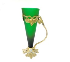 Zöld üveg kancsó réz szerelékkel