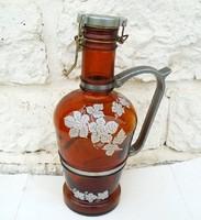 Hatalmas üveg boros kancsó ón fogantyúval