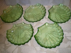 Kagyló formájú zöld üveg  tálak 5 db. egyben hibátlan. 15x14x3 cm.