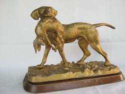 Nagy méretű fém kutya vadászkutya