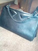 Fekete bőr, antik táska, szép megkimélt állapotban!