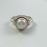 925-s töltött ezüst (SF) gyűrű, ezüstfehér igazgyönggyel