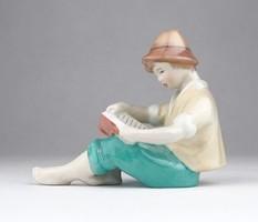 0X994 Régi jelzett Drasche olvasó kalapos fiú