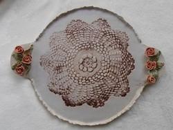 Hatalmas pirogránit gyönyörű asztalközép rózsákkal