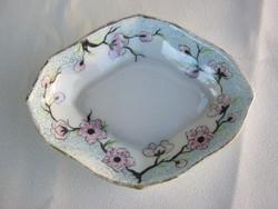 Hüttl Tivadar Aquincumi porcelán tálka