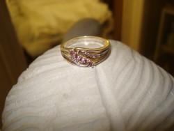 Divat ékszer ezüst színű  filigram GYŰRŰ apró pink színű kövekkel  gyűrű 9-es méret