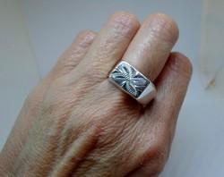 Szép kézműves ezüst pecsétgyűrű