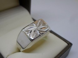 Szép kézműves vésett ezüst gyűrű