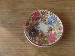 Kis kerámia tányér