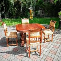 Reneszánsz asztal székekkel