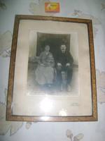 Régi fotó korabeli keretében üveg alatt