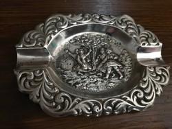 Nagyonszép jelenetes ezüst hamutartó.