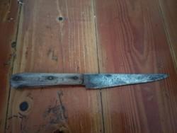 Nem mai kés, a készítés dátuma a pengén 1872