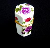 Rózsás porcelán doboz