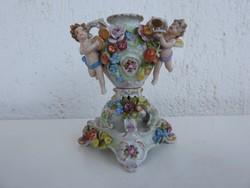Kupidós - angyalokkal díszített- barokk antik Altwien váza talapzattal