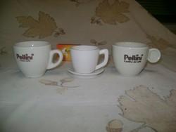 Két darab porcelán csésze és egy csésze formájú gyertyatartó