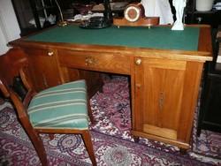Gyönyörű állapotban megmaradt antik szecessziós, angol fiókos főnöki íróasztal