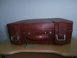 Vintage bőrönd koffer kulccsal
