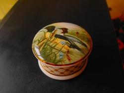 Uszkáló kacsákkal angol  porcelán gyűrűtartó dobozka