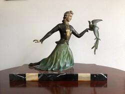 Francia Art Deco szobor  márvány talpon