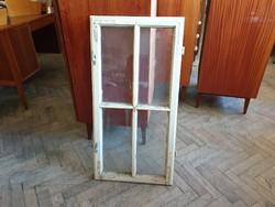 Régi vintage fenyő osztott üveges ablakszárny kis ablak dekoráció