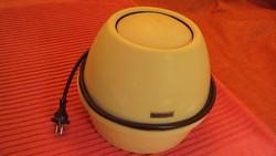 ---Hydromat--- márkájú,hideg légpárásító elektromos készülék,száraz levegőjű helyiségbe.