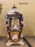 Meissen style-Porcelán Úrhölgy kupolában ül