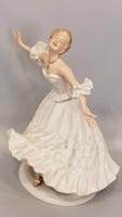 Nagyméretű Wallendorf táncosnő, balerina