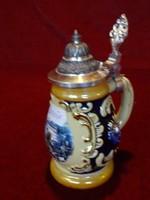 BURG HOFENWERFEN várával díszített kézzel festett fedeles váza.