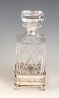 Ezüst keretes whiskys üveg