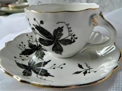 Aquincum fekete szőlőleveles kézzel festett mokkás szett, csésze és kistányér