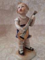 W&A Bertram mandolinon játszó kisfiú