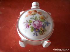 Porcelán kulacs