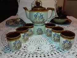 Kávés készlet melegen tartó alátéttel,kiöntővel,6 csészével.