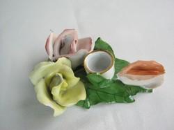 Aquincumi porcelán rózsa gyertyatartó