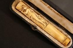 Antik Faragott Borostyán Szipka Tajtékpipa 8cm Dobozban Hibátlan