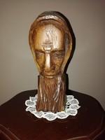 Faragott  szerzetes fej