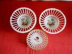 3 db jelzett virág mintás áttört szélű porcelán tálka, kínáló tál
